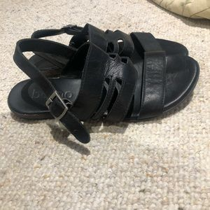 Bueno black leather sandals